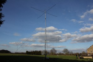 All the antennas in view, l-r 40m vertical, 20/10m on tower, 80m vertical and finally the 15m mono-bander.